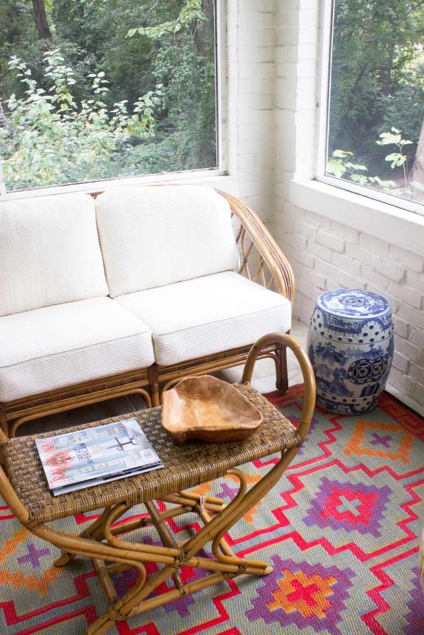 blue-door-living-screened-in-porch