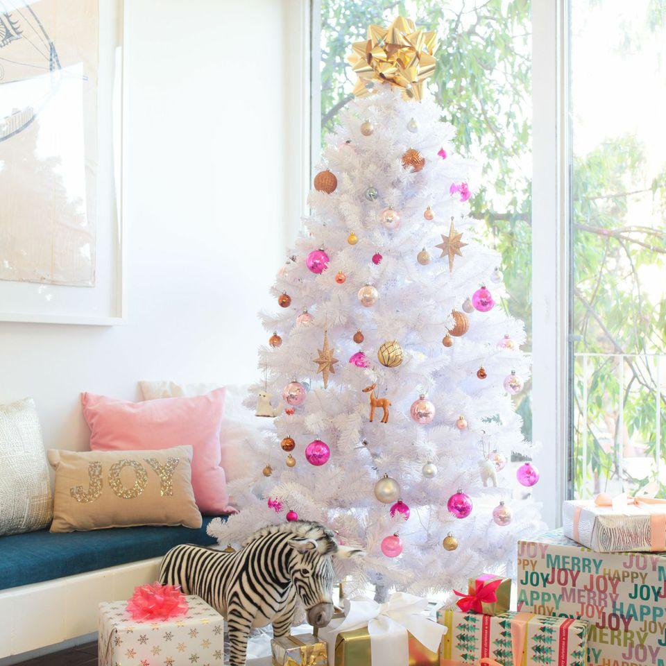 emily-henderson-white-christmas-tree