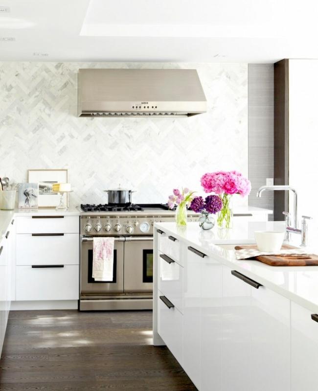 ikea white kitchen to ceiling backsplash
