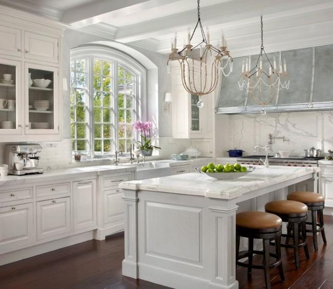 marble to ceiling backsplash