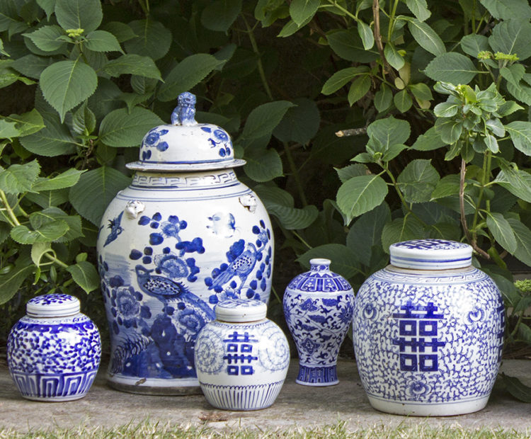 cropped-blue-and-white-jars-header3.jpg
