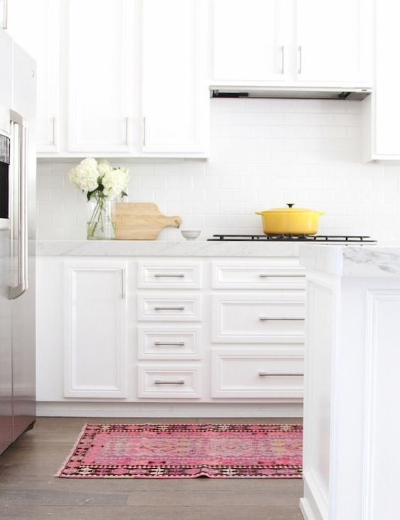 White Subway Tile Has Been Leading The Way In Kitchen Backsplash Design For  Decades. Itu0027s Classic, Relatively Inexpensive And Comes In A Variety Of  Colors.