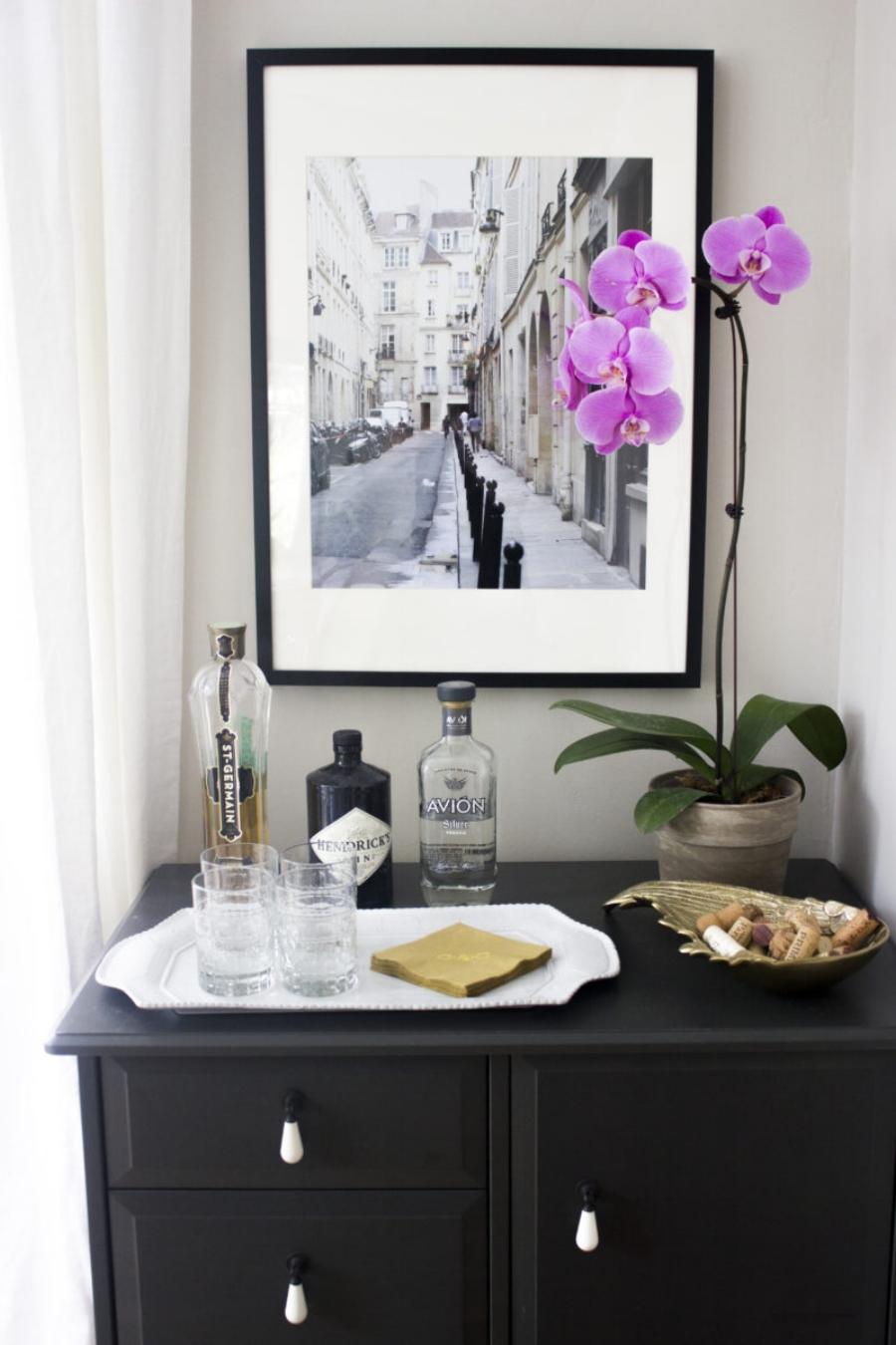 BlueDoorLiving-Dining-Room-Bar-e1498050988267.jpg