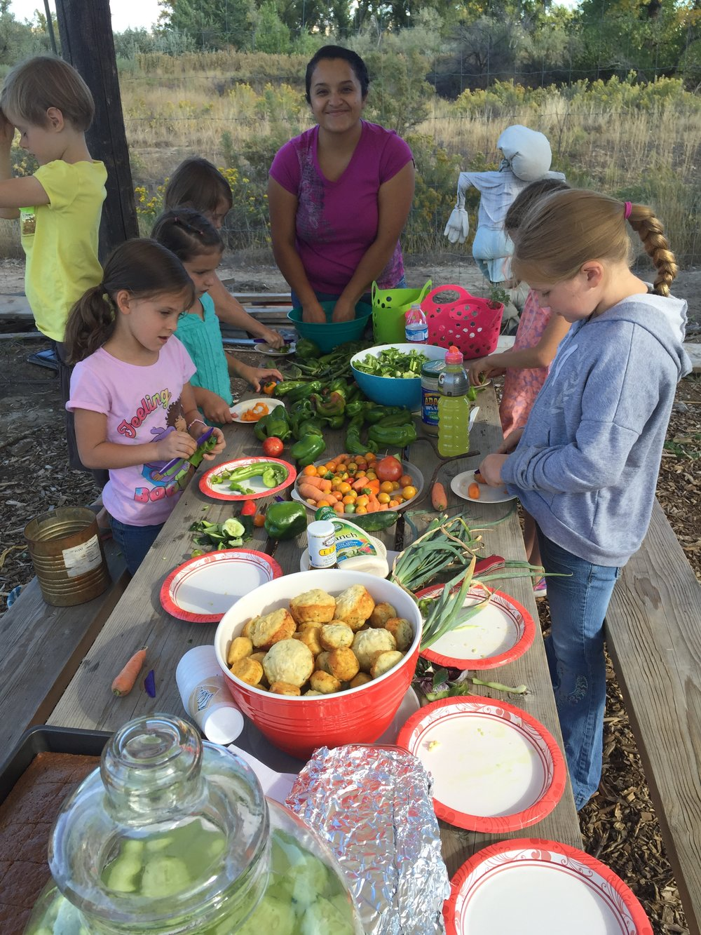 Garden Club Salad Day 2015-10-02 010.JPG