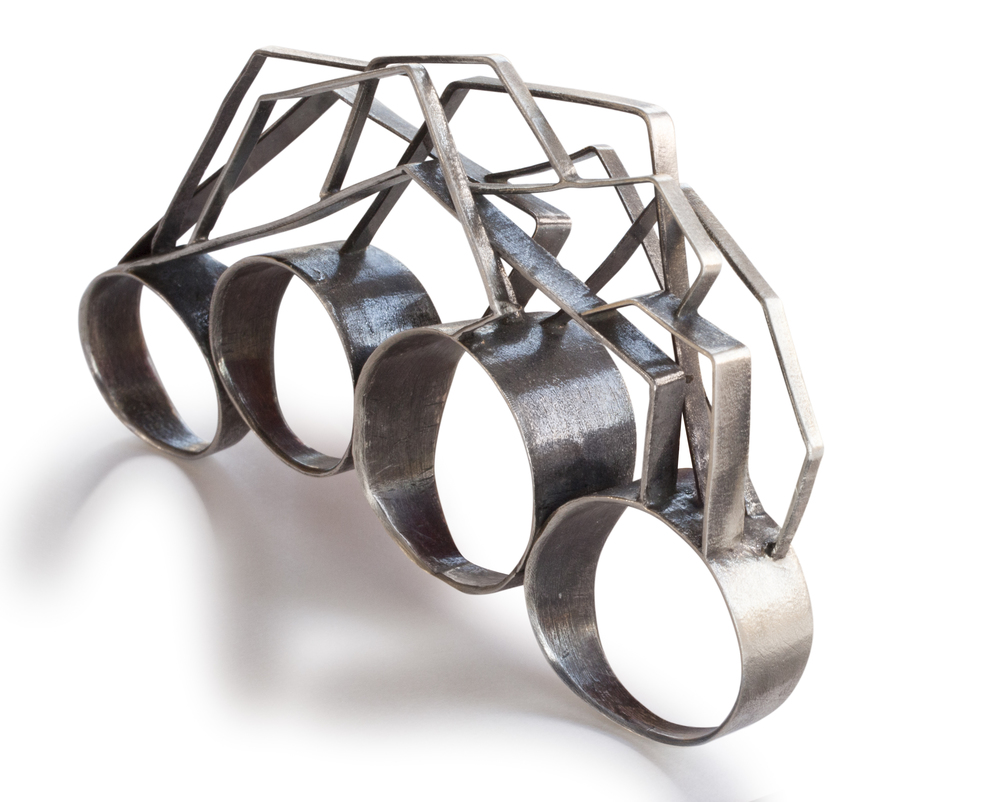 knuckles-ring.jpg