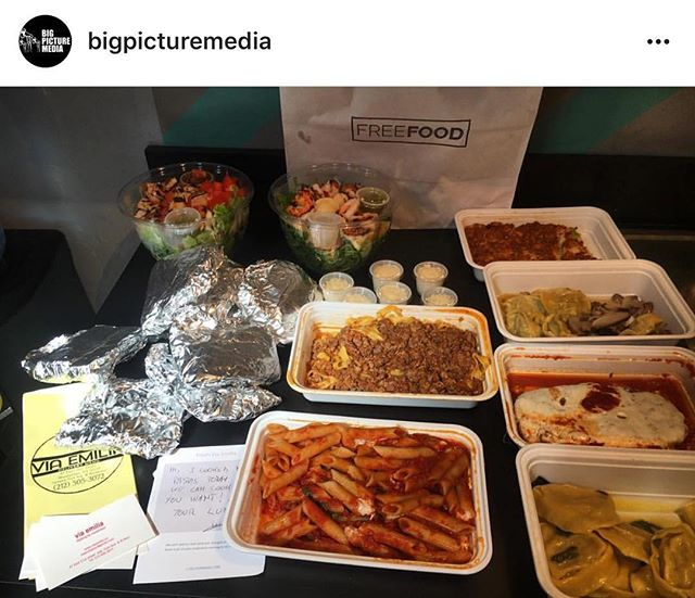Enjoy your lunch with a side of sunshine ☀️ Thanks to @viaemilianyc for spreading the love and @bigpicturemedia for the samples #lunchspread #freefood #onlytuesday #spring #sun #lunch #spread #latergram #regram #whattimeisit #lunchtime  #instafood #foodstagram #samples #coworkers #nyc #startup #startuplife #yumm #love #happiness