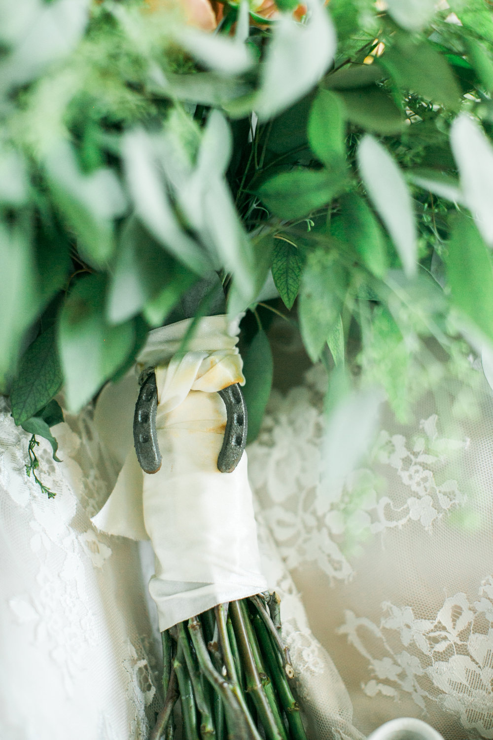 About stag lily we believe that stag and lily is everything you know you need the venue the flowers the linen napkins the black and white you simply provide the love izmirmasajfo