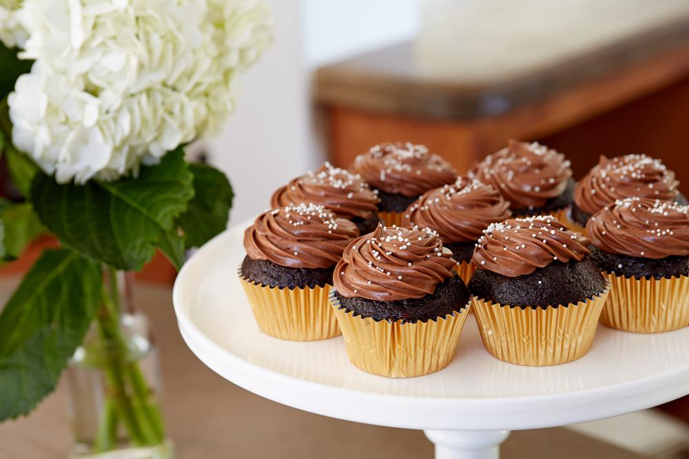 Hazel_June_2015_Cupcakes.png