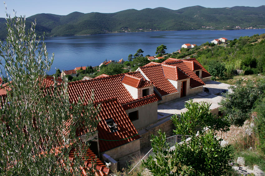 Yoga-and-Pilates-Retreat-in-Croatia-peljesac_overlook.png