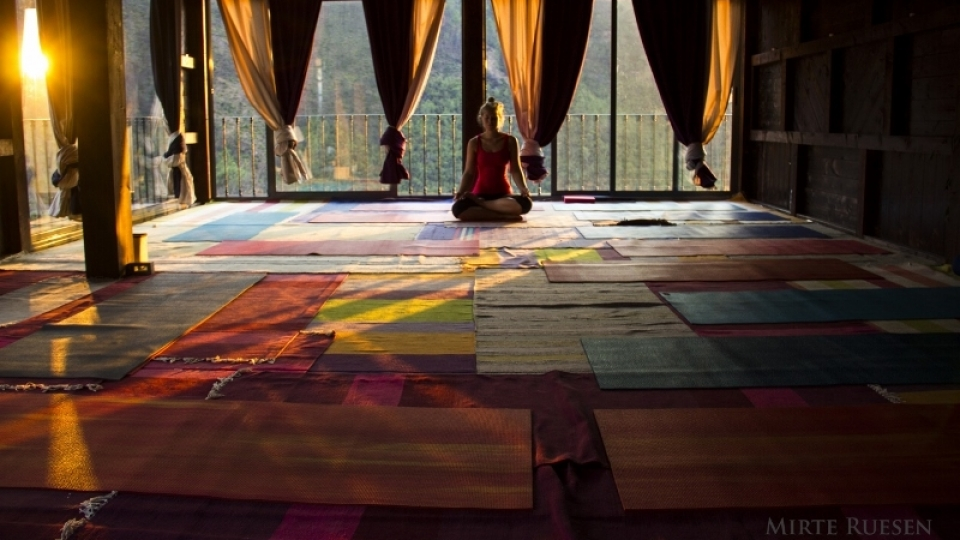 Portuguese Yoga Retreat - Experience a holistic Portuguese yoga retreat in an old valley farm nestled in a remote & picturesque mountain range in central Portugal.