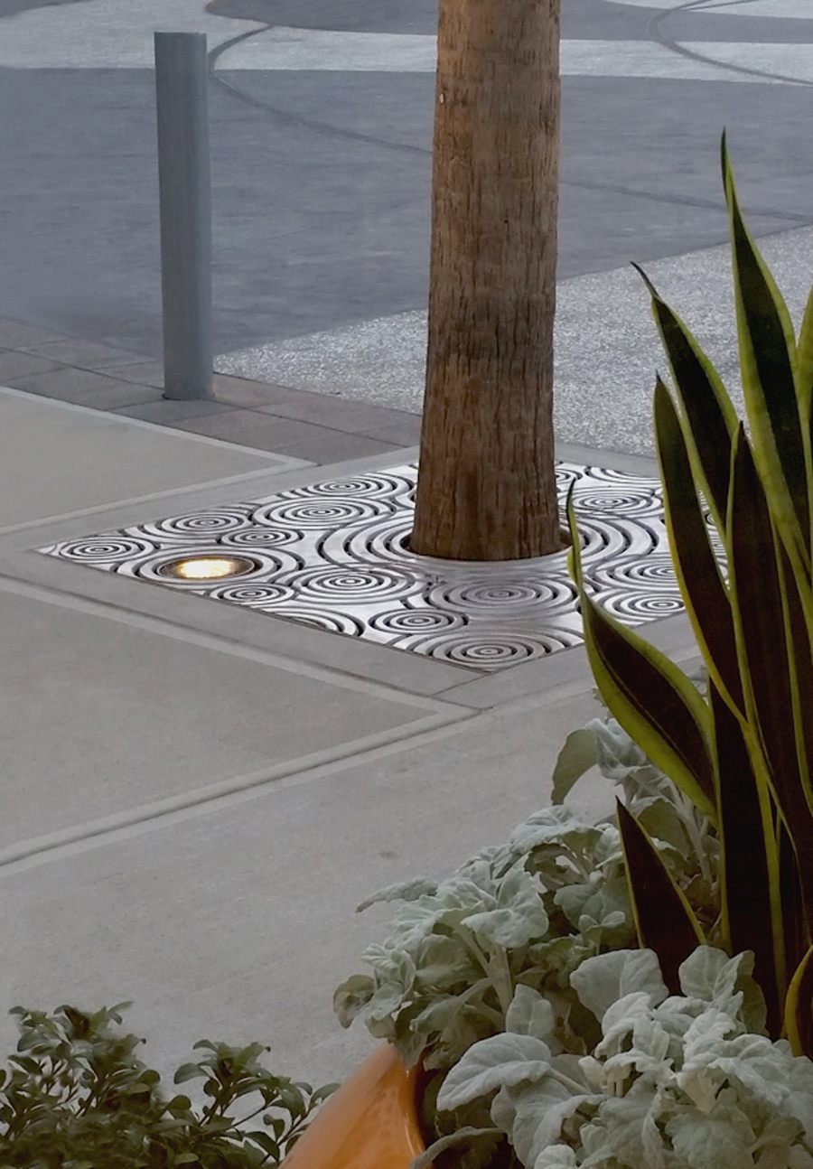 IRONSMITH Tree Grate