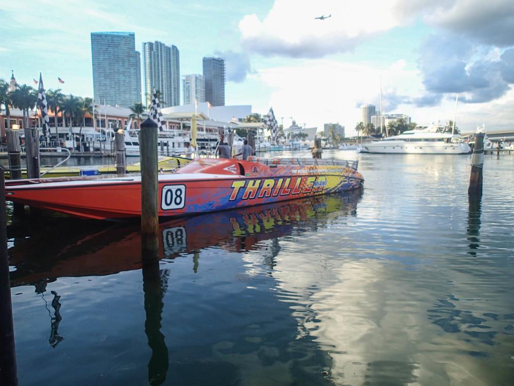 Thriller Miami dock