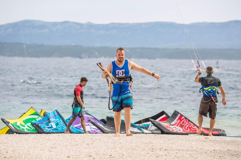Kitesurfing Bol