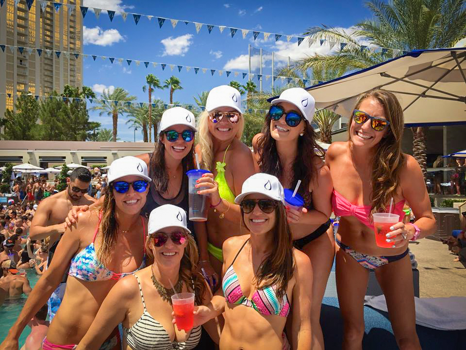 Girls vegas weekend wet republic