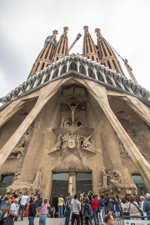Sagrada-familia-barcelona-guide