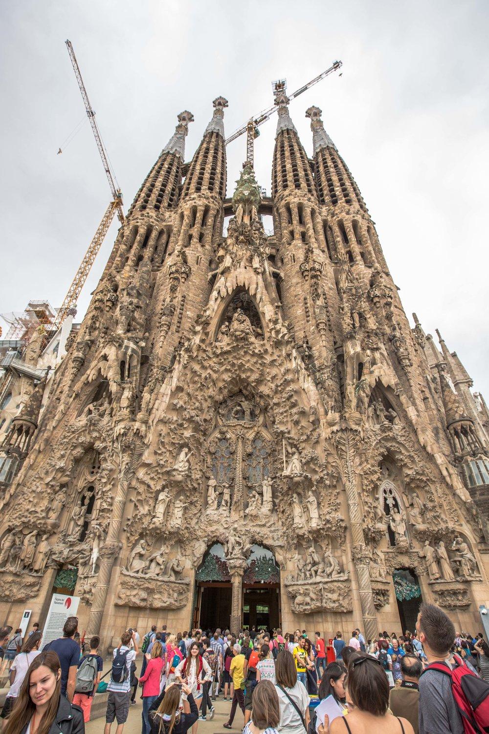 Sagrada-familia-tour-barcelona