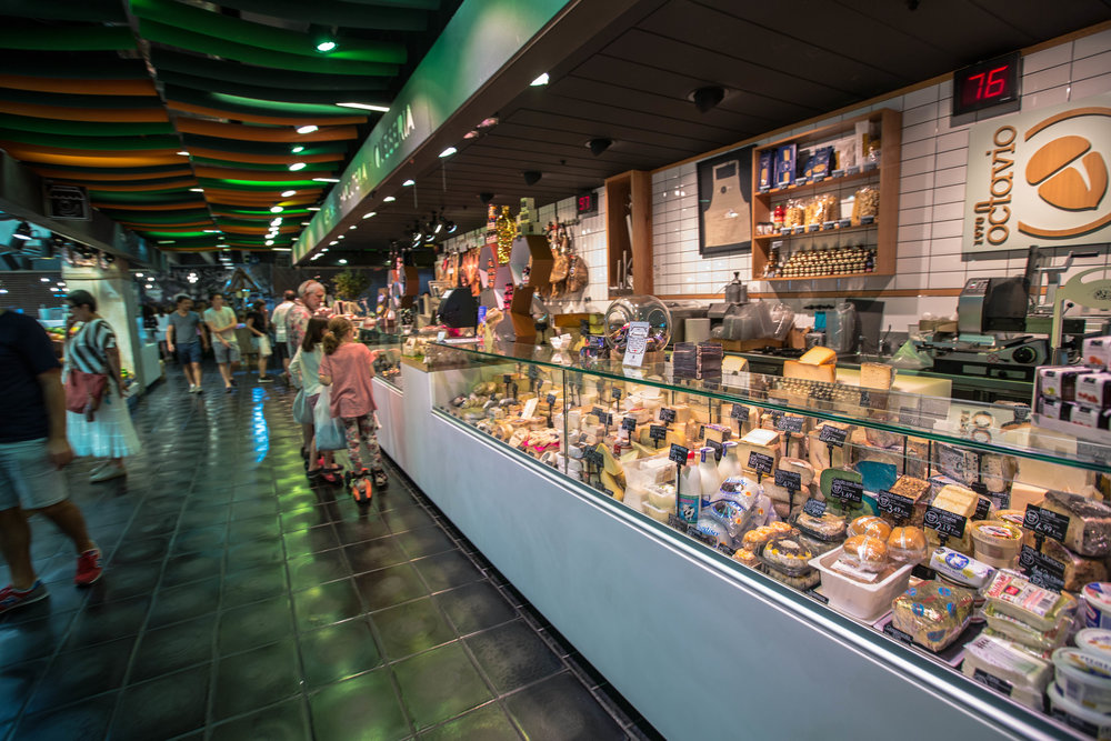 mercado san anton places to eat in madrid