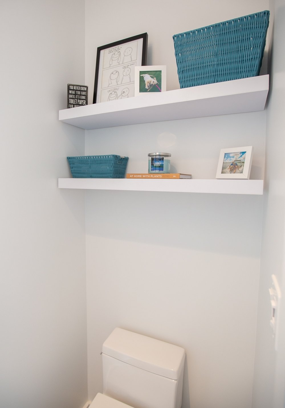 Shelves    //    Frames & baskets    //    Book    //    Wooden sign    //    Candle   //    Photo prints