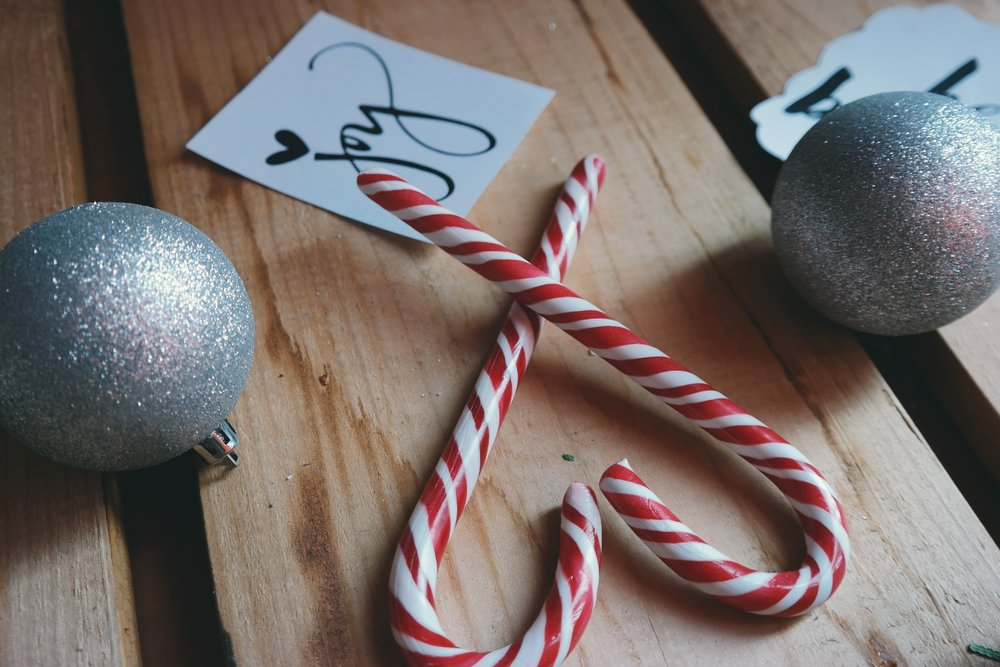 Most candy canes are soy-free! - IMAGE VIA PEXELS