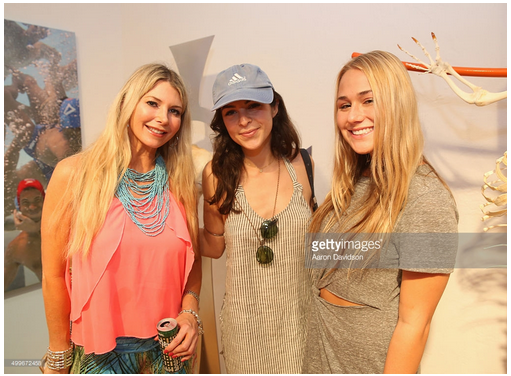TBT- Tamie Sheffield (L) and friends at SPiN Galleries, Aqua Art Miami. Happy New Year. Image courtesy of Getty Images/Aaron Davidson