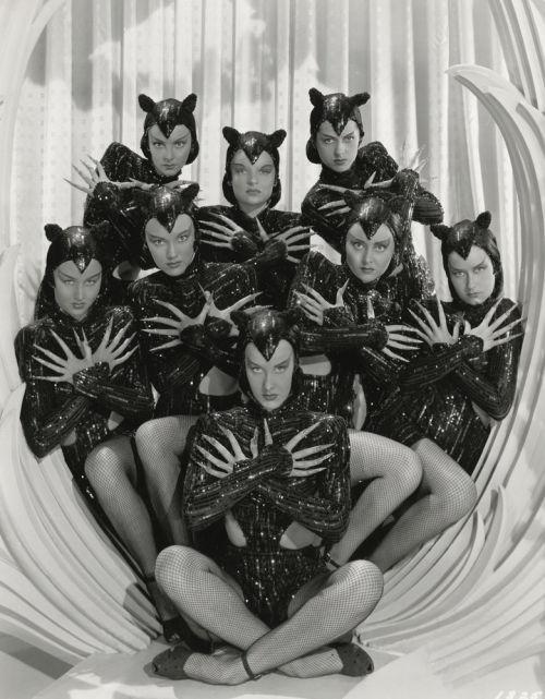 hoodoothatvoodoo :     Zeigfeld Follies   1946     Meow