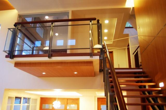 cayman-glass-railings-artistic-glass-interiors-large-5.jpg