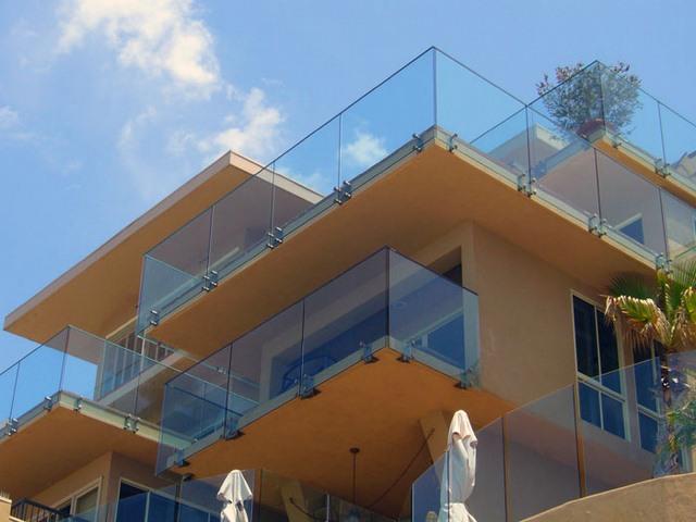 cayman-glass-railings-artistic-glass-interiors-large-12.jpg