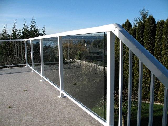 cayman-glass-railings-artistic-glass-interiors-large-13.jpg
