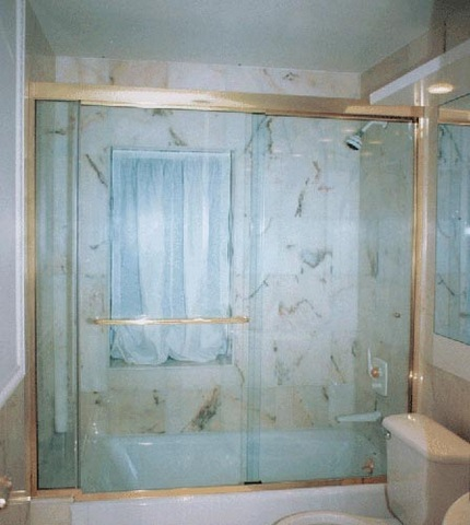cayman-showers-artistic-glass-interiors-large-4.jpg