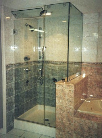 cayman-showers-artistic-glass-interiors-right-angle-large-6.jpg