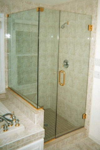 cayman-showers-artistic-glass-interiors-right-angle-large-8.jpg