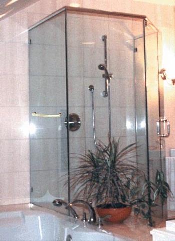 cayman-showers-artistic-glass-interiors-neo-large-2.jpg