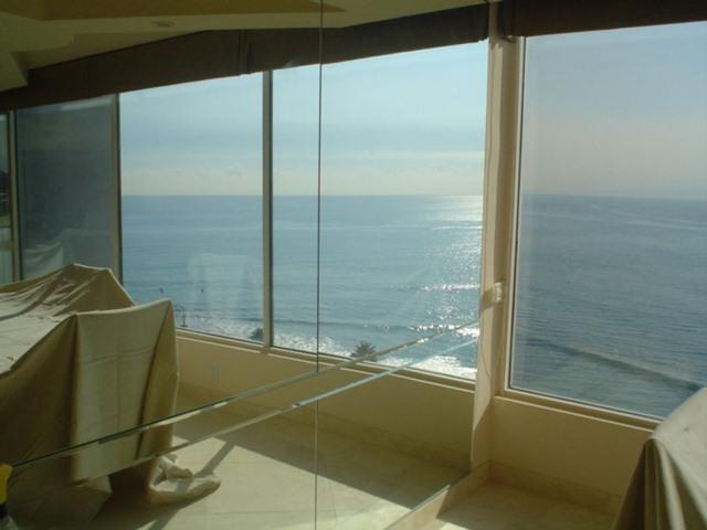cayman-mirrors-artistic-glass-interiors-large-7.jpg