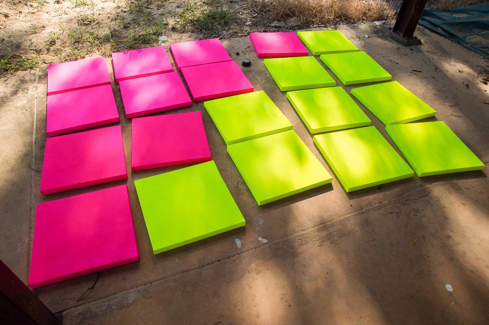 Preparing canvases at Djinkarr, Photo David Leece.jpg