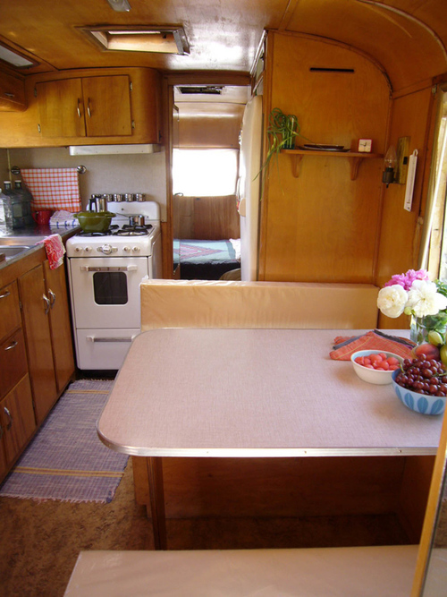 booth+kitchen+in+camper.jpg