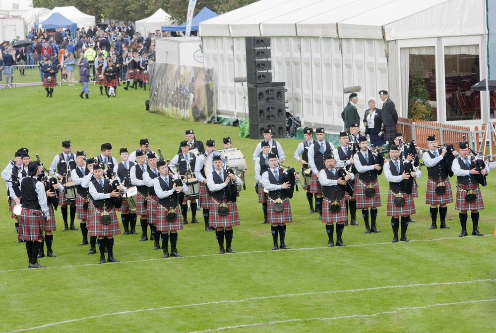 34-la-scots-at-the-line.jpeg