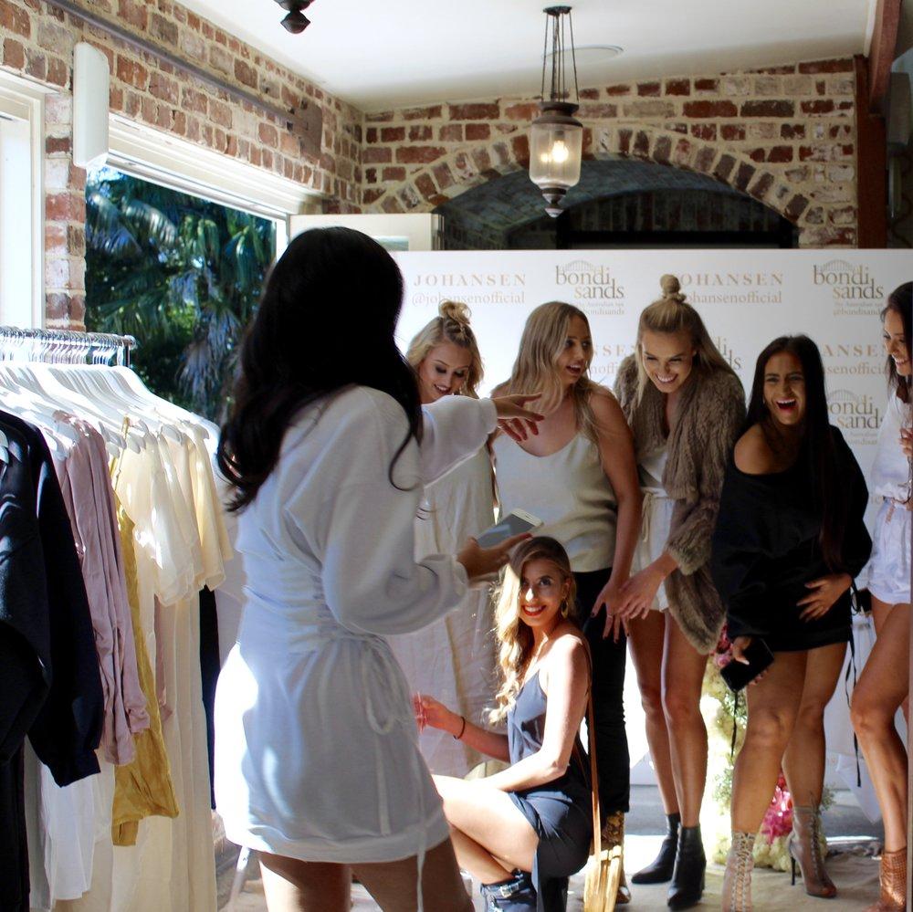 Starting from the left front, @jessbellll, @iamkatigarnett, @shantigriffin, @yvettecollins, @laurenjohansenbell, @alintatatana. Click each girl's insta name to shop their outfit!