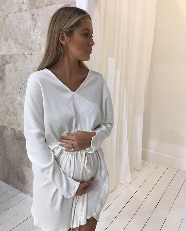 The Evie Dress - This comfortable 100% cotton dress is perfect to slip on for a busy day running errands, relaxing, or heading to the beach! The adjustable pull string allows you to easily style the dress to your body type, gorgeous mumma @rubytuesdaymatthews has adjusted the dress to sit comfortably over her preggy belly!We personally enjoy wearing it quite oversized. The triangle cut out details on the bottom hem and cuff hems adds a beautiful touch to this timeless design.