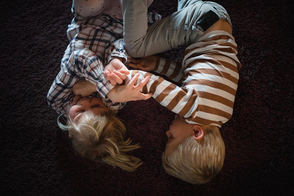 Nyfoddfotografering-lifestyle-familjefotograf-Stockholm_8.jpg