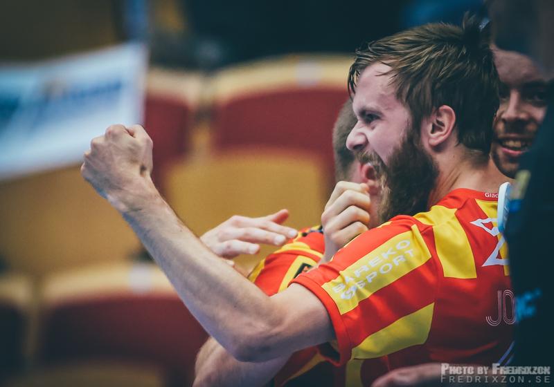 Daniel Johnsson nöjd med matchen, tre mål och en assist.
