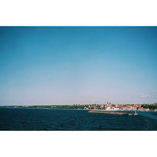 Hejdå underbara Gotland. Vi ses igen! 🌞 #gotland #motgotland #sverige #semester #semestertips #russparken #russ #gotlandsruss #blålagunen #camping #campingsemester #sudersand