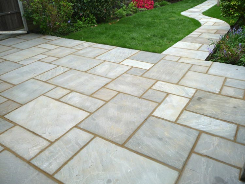 Charmant PAVING. Creative Use Of Many Varied Styles Of Paviors Allow Us To Provide  An Individually Tailored Design.