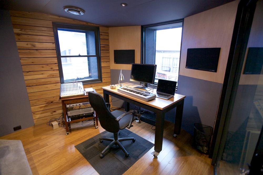 StudioControlRoom3 335.jpg