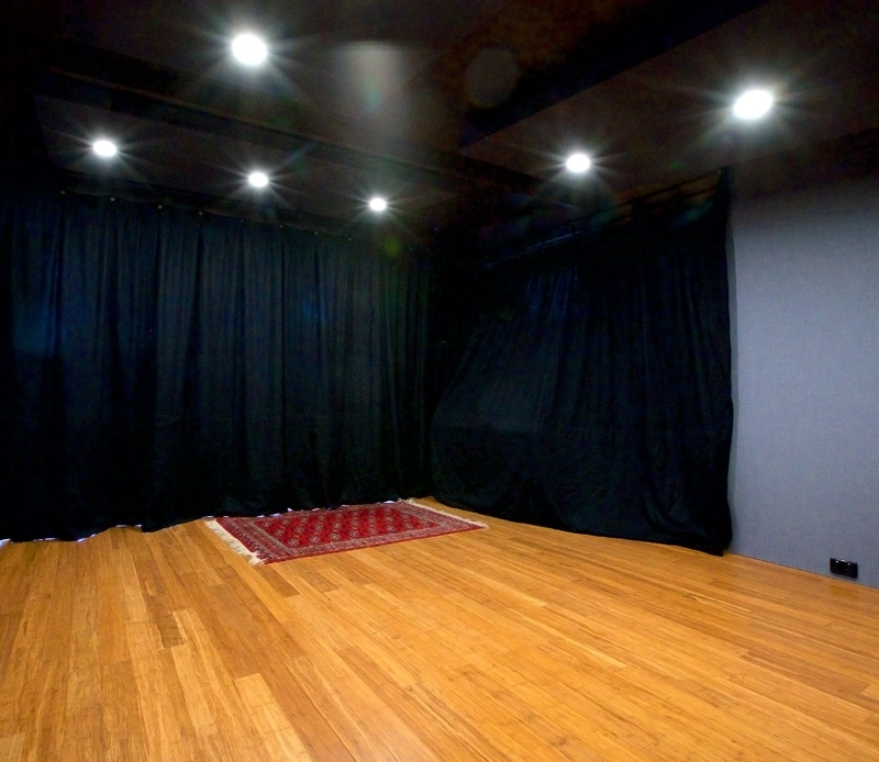 Studio-with-curtain-TEV.jpg
