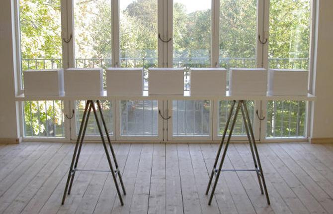 Vitehall Exhibition Breathing Project-Sarvenaz Dezvareh-Hall-Kungsbacka-Sweden-September-October 2003-1.jpg