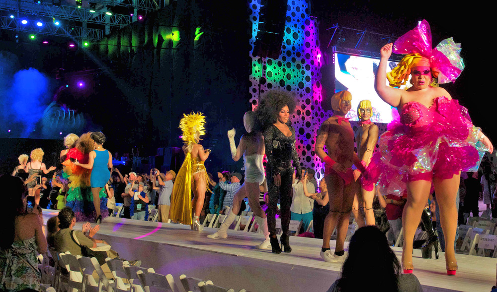 20290-MB100-MiamiBeach-DragShow.JPG