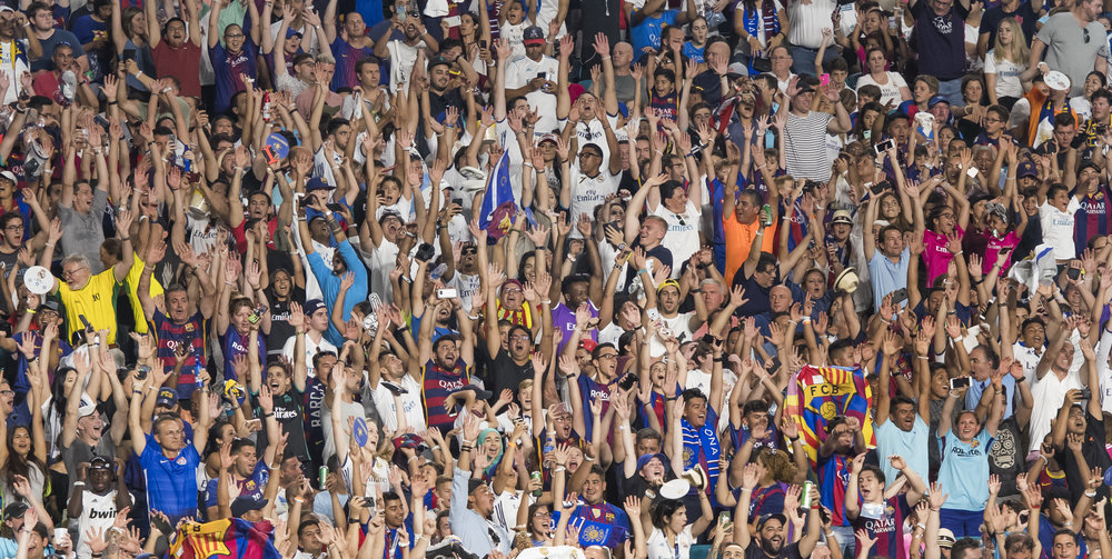 crowd el clasico miami fans real madrid barcelona hard rock stadium