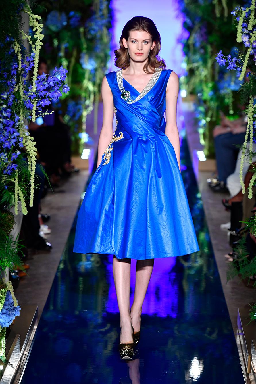 Guo-Pei-FW17-18-Couture--Look-5.jpg