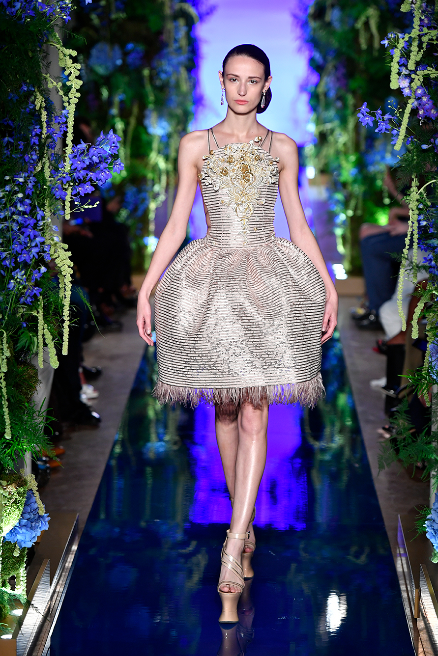 Guo-Pei-FW17-18-Couture--Look-8.jpg