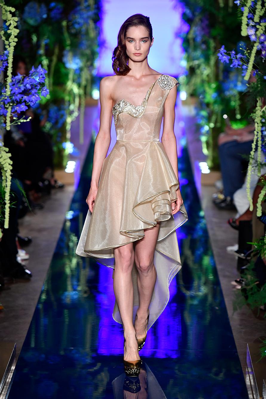 Guo-Pei-FW17-18-Couture--Look-9.jpg